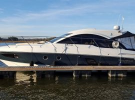 Beneteau 38 Gran Turismo, Motoryacht Beneteau 38 Gran Turismosäljs avWhite Whale Yachtbrokers