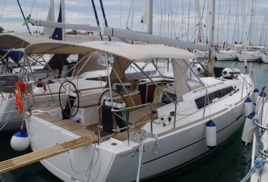 Dufour 360 Grand Large, Zeiljacht  for sale by White Whale Yachtbrokers - Croatia