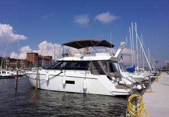 Sealine F 42, Motor Yacht Sealine F 42 for sale at White Whale Yachtbrokers