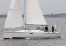 Beneteau First 40.7 Distinction, Segelyacht  for sale by White Whale Yachtbrokers