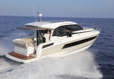 Jeanneau NC 33, Motoryacht  for sale by White Whale Yachtbrokers