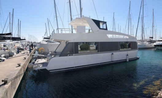 Overblue 44, Motoryacht for sale by White Whale Yachtbrokers - Croatia