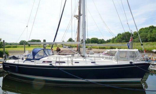 Hanse 411, Segelyacht for sale by White Whale Yachtbrokers - Willemstad