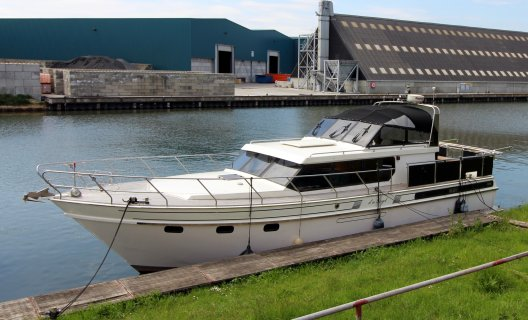 Super Falcon 45 Royal, Motoryacht for sale by White Whale Yachtbrokers - Limburg