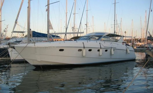 Ferretti Altura, Motoryacht for sale by White Whale Yachtbrokers - Vinkeveen
