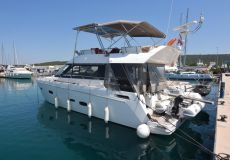 Sealine F 46, Motor Yacht  for sale by White Whale Yachtbrokers - Croatia