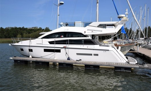 Fairline Squadron 42, Motoryacht for sale by White Whale Yachtbrokers - Finland