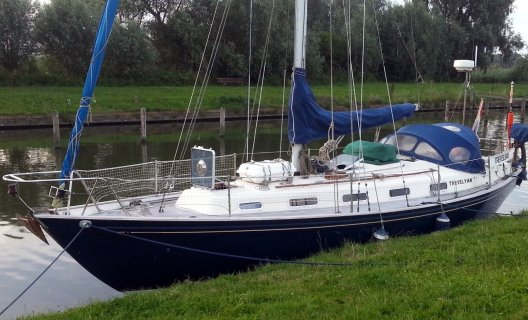 Rival 36, Segelyacht for sale by White Whale Yachtbrokers - Sneek