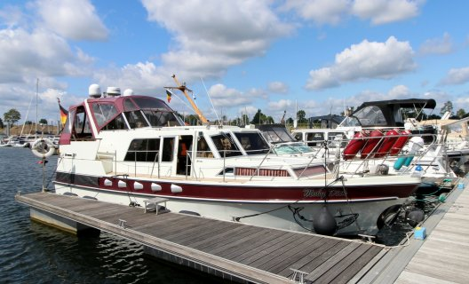 Broom 37 Continental, Motoryacht for sale by White Whale Yachtbrokers - Limburg