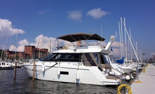 Sealine F42, Motoryacht for sale by White Whale Yachtbrokers - Finland