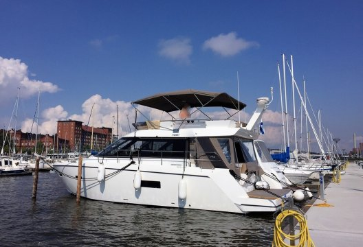 Sealine F42, Motorjacht  for sale by White Whale Yachtbrokers - Finland