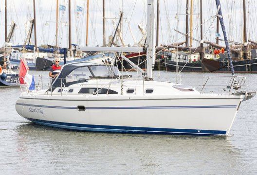 Catalina 375, Zeiljacht  for sale by White Whale Yachtbrokers - Enkhuizen