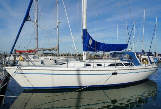 Catalina 36 MKII Wingkeel, Zeiljacht  for sale by White Whale Yachtbrokers - Willemstad