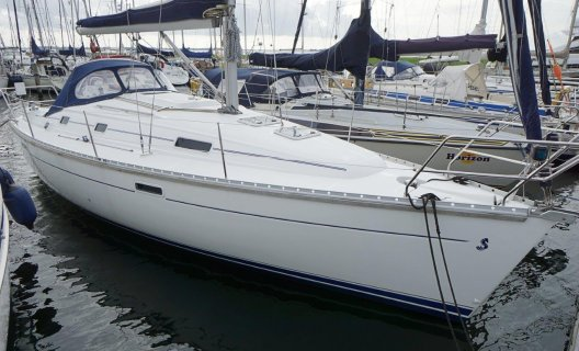 Beneteau Oceanis 331 Clipper, Segelyacht for sale by White Whale Yachtbrokers - Willemstad