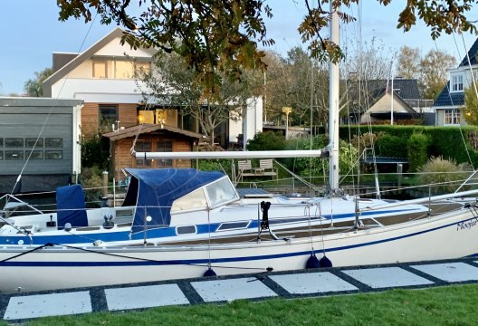 Bavaria 1060, Zeiljacht  for sale by White Whale Yachtbrokers - Sneek