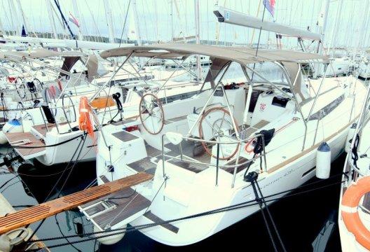 Sun Odyssey 439, Zeiljacht  for sale by White Whale Yachtbrokers - Croatia