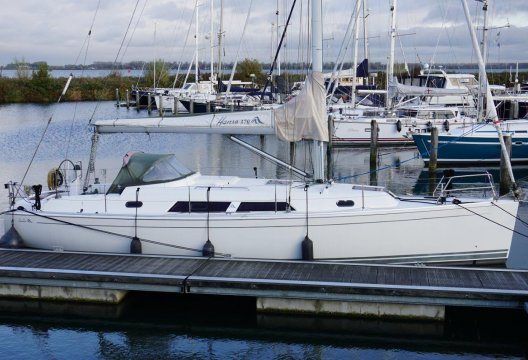 Hanse 370, Zeiljacht  for sale by White Whale Yachtbrokers - Willemstad