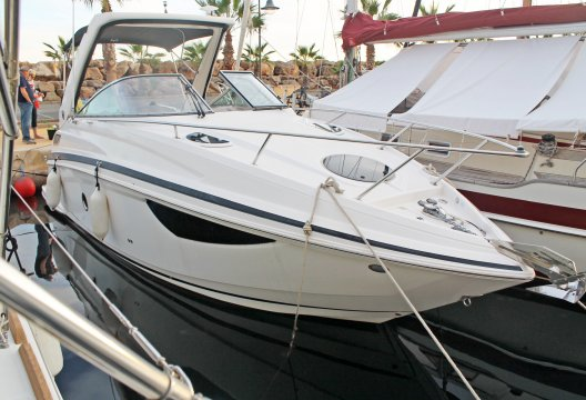 Regal 28 Express, Motorjacht  for sale by White Whale Yachtbrokers - Almeria