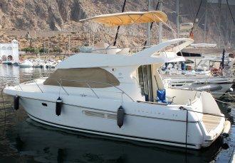 Jeanneau Prestige 36 Flybridge, Motorjacht Jeanneau Prestige 36 Flybridge te koop bij White Whale Yachtbrokers