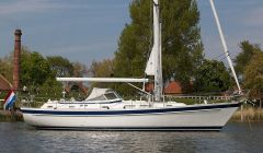 Hallberg Rassy 42 F, Sailing Yacht Hallberg Rassy 42 F for sale by White Whale Yachtbrokers