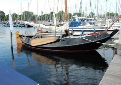 Schokker Vreedenburgh, Plat- en rondbodem, ex-beroeps zeilend Schokker Vreedenburgh te koop bij Wehmeyer Yacht Brokers