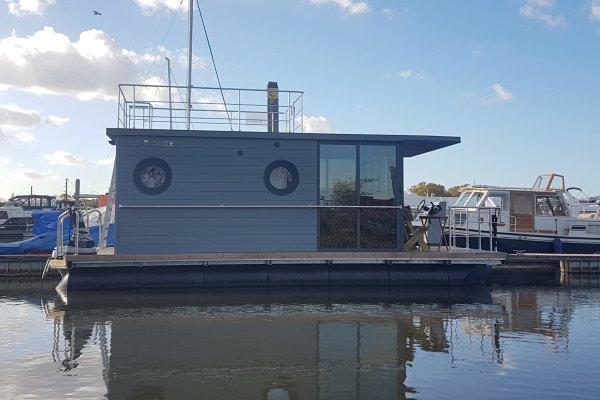 La Mare Houseboats Apartboat MINI