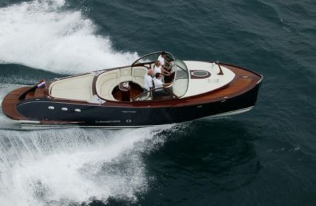 Venegy 37, Motorjacht Venegy 37 te koop bij Prins van Oranje Jachtbemiddeling
