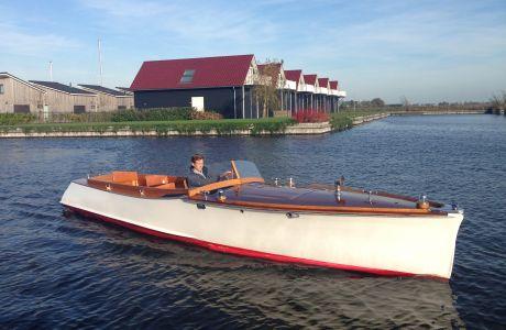 Waser Runabout, Klassiek/traditioneel motorjacht Waser Runabout te koop bij Prins van Oranje Jachtbemiddeling