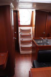 Beneteau Oceanis 34 3-cabin
