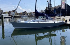 J/Boats J/105