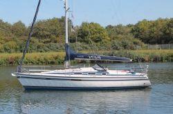 Dehler 35 CWS, Sailing Yacht Dehler 35 CWS for sale by Jachtmakelaardij Kappers