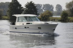 Delphia 1050 Escape, Motor Yacht Delphia 1050 Escape for sale by De Haer nautique