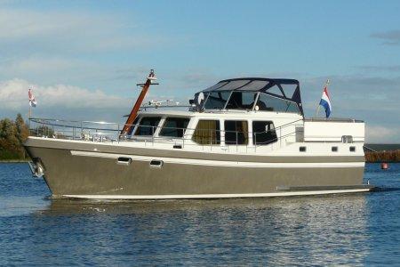 Privateer 43, Motorjacht Privateer 43 te koop bij Jachtbemiddeling van der Veen - Terherne