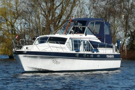 Broom Ocean 37, Motor Yacht Broom Ocean 37 for sale at Jachtbemiddeling van der Veen - Terherne