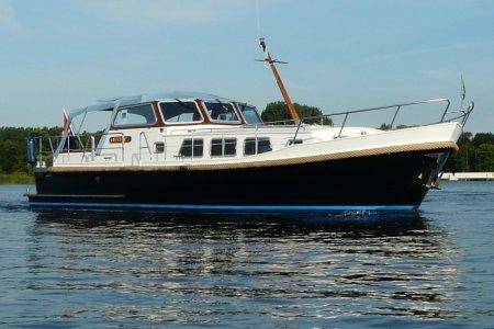 Crown Riverholiday 1150 Classic, Motorjacht Crown Riverholiday 1150 Classic te koop bij Jachtbemiddeling van der Veen - Terherne