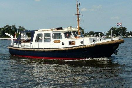 Valkvlet 1160 OK / AK, Motorjacht Valkvlet 1160 OK / AK te koop bij Jachtbemiddeling van der Veen - Terherne