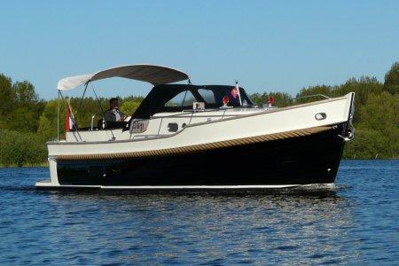 Newport Bass XL, Motorjacht Newport Bass XL te koop bij Jachtbemiddeling van der Veen - Terherne