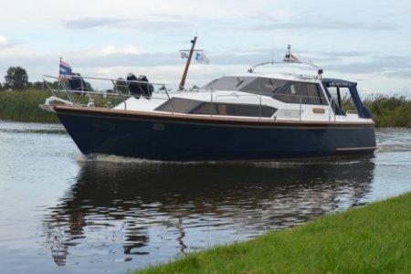 Stadtline 38, Motorjacht Stadtline 38 te koop bij Jachtbemiddeling van der Veen - Terherne