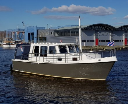 Bully 850 GS OK, Motor Yacht for sale by Jachtbemiddeling van der Veen