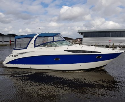 Bayliner 325, Motorjacht for sale by Jachtbemiddeling van der Veen