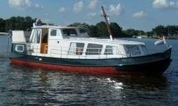 Tjalk Motorkruiser, Motor Yacht Tjalk Motorkruiser for sale by Jachtbemiddeling van der Veen - Terherne