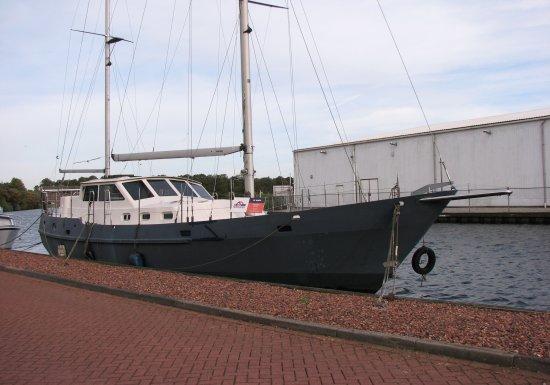 , Zeilcasco  for sale by Jachtmakelaardij Lemmer Nautic
