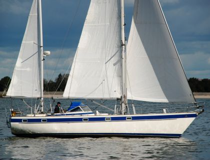 Hallberg Rassy 42 KETCH, Sailing Yacht  for sale by Jachtmakelaardij Lemmer Nautic