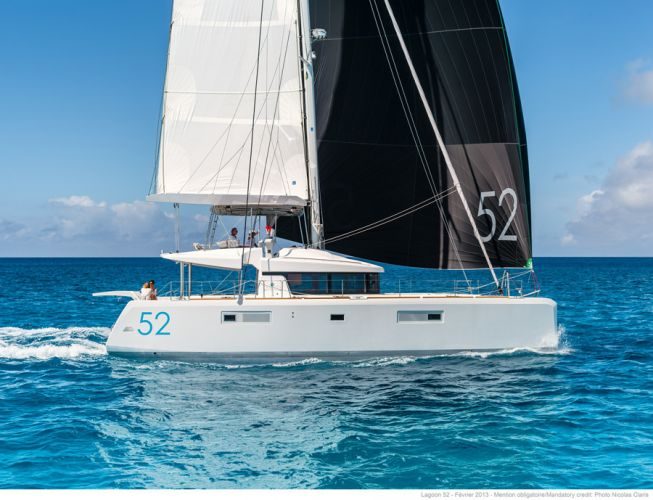 Lagoon 52 F, Multihull zeilboot  for sale by Nautisch Kwartier Stavoren