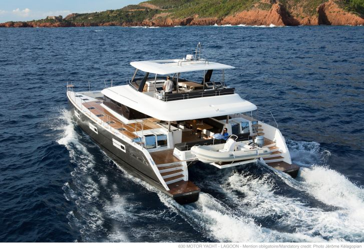 Lagoon 630 MY, Multihull motorboot  for sale by Nautisch Kwartier Stavoren