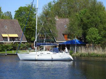 Bavaria 35 Holiday, Segelyacht  for sale by Nautisch Kwartier Stavoren