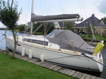 """Beneteau Oceanis 31 """"Elegance"""", Zeiljacht  for sale by Nautisch Kwartier Stavoren"""