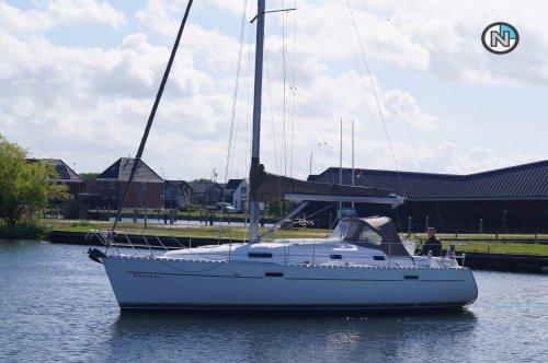 Beneteau OCEANIS 331, Zeiljacht  for sale by Nautisch Kwartier Stavoren