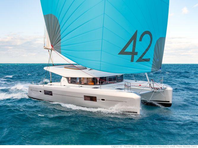Lagoon 42 Verkocht/sold, Multihull zeilboot  for sale by Nautisch Kwartier Stavoren