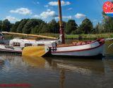 Skutsje 1200, Platt och rund botten  Skutsje 1200 säljs av Overwijk Jachtbemiddeling
